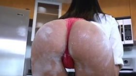 Anitta dando a boceta na cozinha